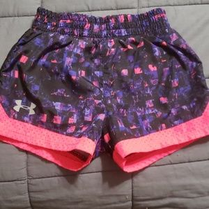 Under Armour sz 5 girls shprts